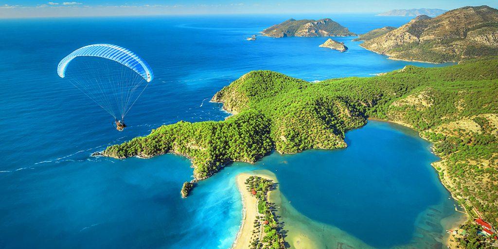 de mooiste stranden en baaien van Turkije Oludeniz 1024x512 Reis inspiratie film, ontdek schitterend Ölüdeniz, Fethiye, Turkije per drone