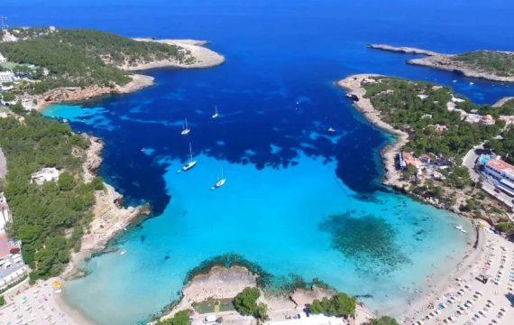 film over Ibiza vakantie promoties 570x360 Reis inspiratie film, ontdek Ibiza per drone