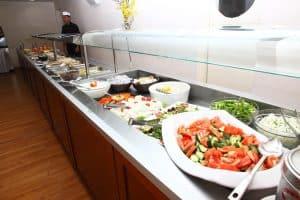 8 Dagen lang heerlijk genieten van de voortreffelijke Griekse keuken tijdens jullie all inclusive verblijf op Kreta 300x200 Vroegboekkorting All inclusive vakantie Kreta 8 dagen 3 *** hotel voor maar € 300,  p.p. (vertrek in augustus 2021)