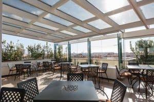 Het dakterras van Hotel Domus Sessorriana biedt jullie ene schitterend uitzicht 300x200 Boek nu je Citytrip Rome met vlucht en hotel vanaf € 139,  (logies + ontbijt)