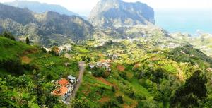 aanbiedingen vliegvakanties Maderia vergelijken 300x153 Aanbiedingen goedkope vliegvakanties Madeira, vanaf € 188.